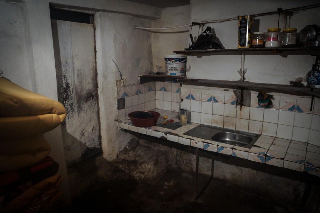 Typický pohled na vnitřek ubikace, obývané uprchlíky. Foto: Doğu Eroğlu