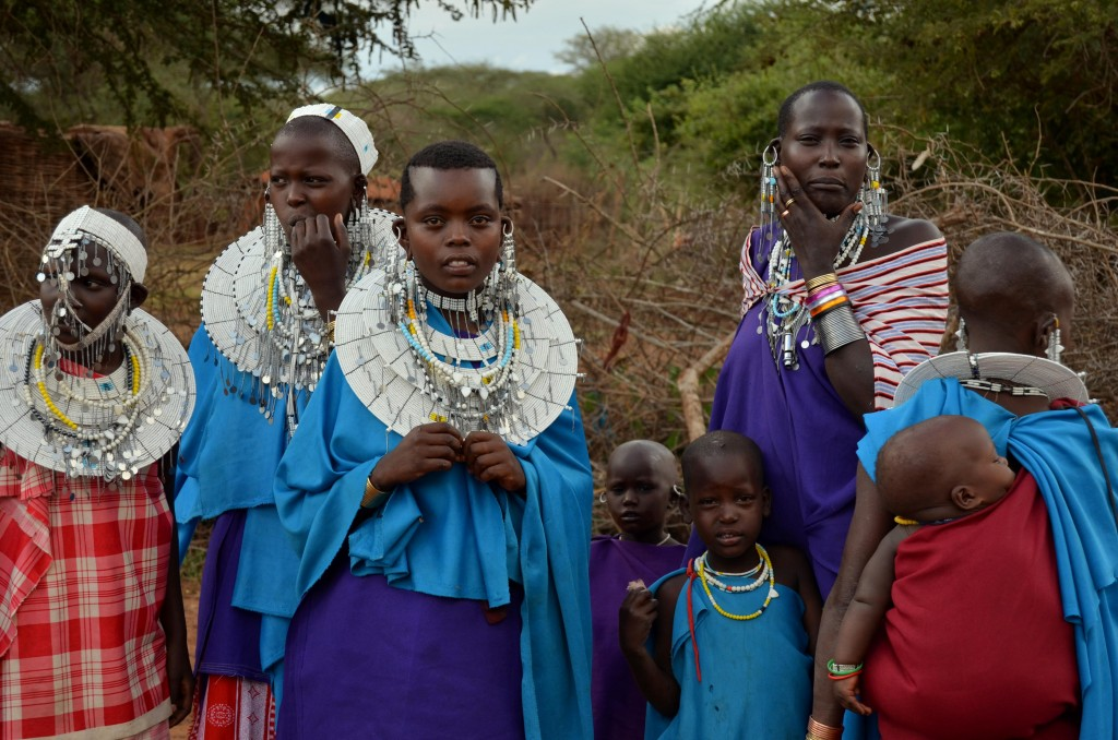 Masajky se zdobí bohatou bižuterií.